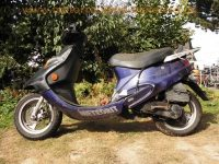 normal_Kymco_Meteorit_KB50_Edition_Mofa-Roller_Scooter_25kmh_-_wie_Kymco_K12_Fever_ZX_1