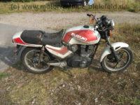 Suzuki_GSX_400_S_GK53C_weiss-rot_Wrack_-_wie_GSX_250_400_E_S_GK51C_GK53B_17