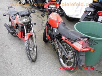 Honda MBX80 HC04 rot 2x Schlachtfahrzeug | motorradteile-bielefeld.de