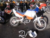 normal_Aprilia_Tuareg_Wind_600_Enduro_unverbastelt_Originalzustand_Hauptstaender_Sturzbuegel_Rotax_Motor_560E_wie_Aprilia_Pegaso_600_8